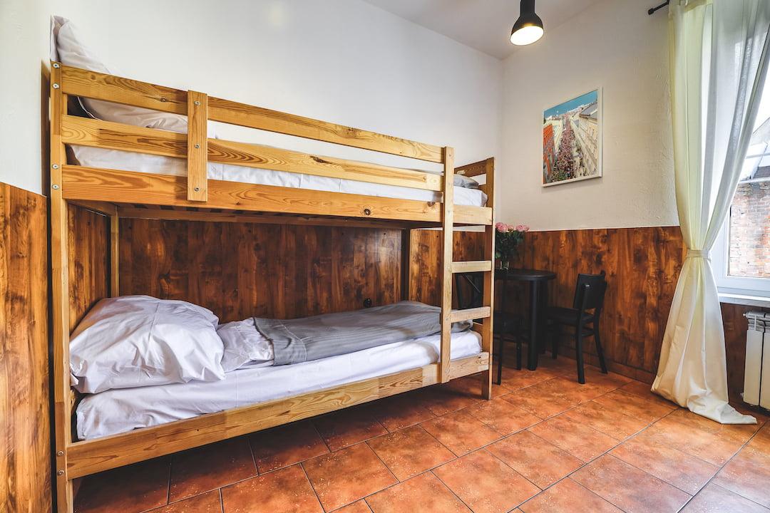 Łóżko w pokoju 4 osobowym